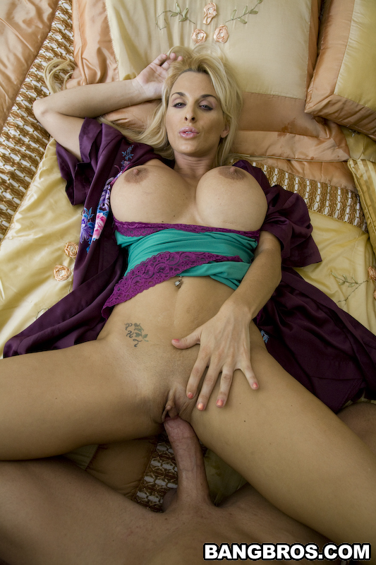 Holly Halston Sex