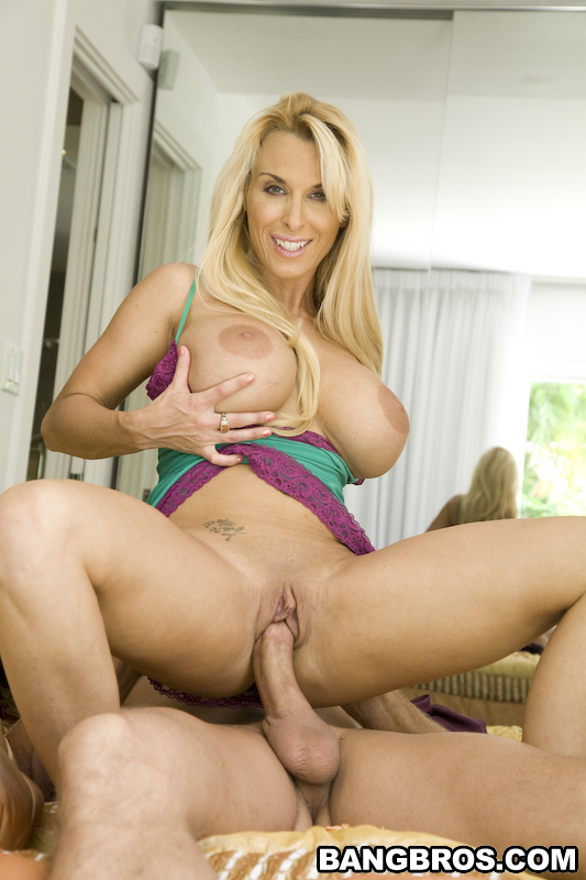 Holly Halston Sex On Top